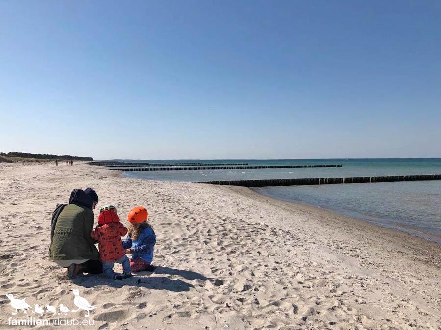 Familie Strand Ostsee Winter
