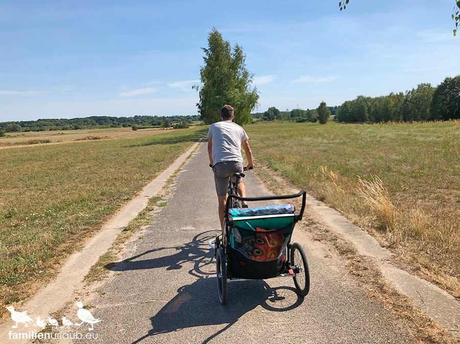 Mauerweg mit dem Fahrrad