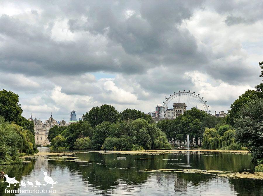 London St. James Park Skyline